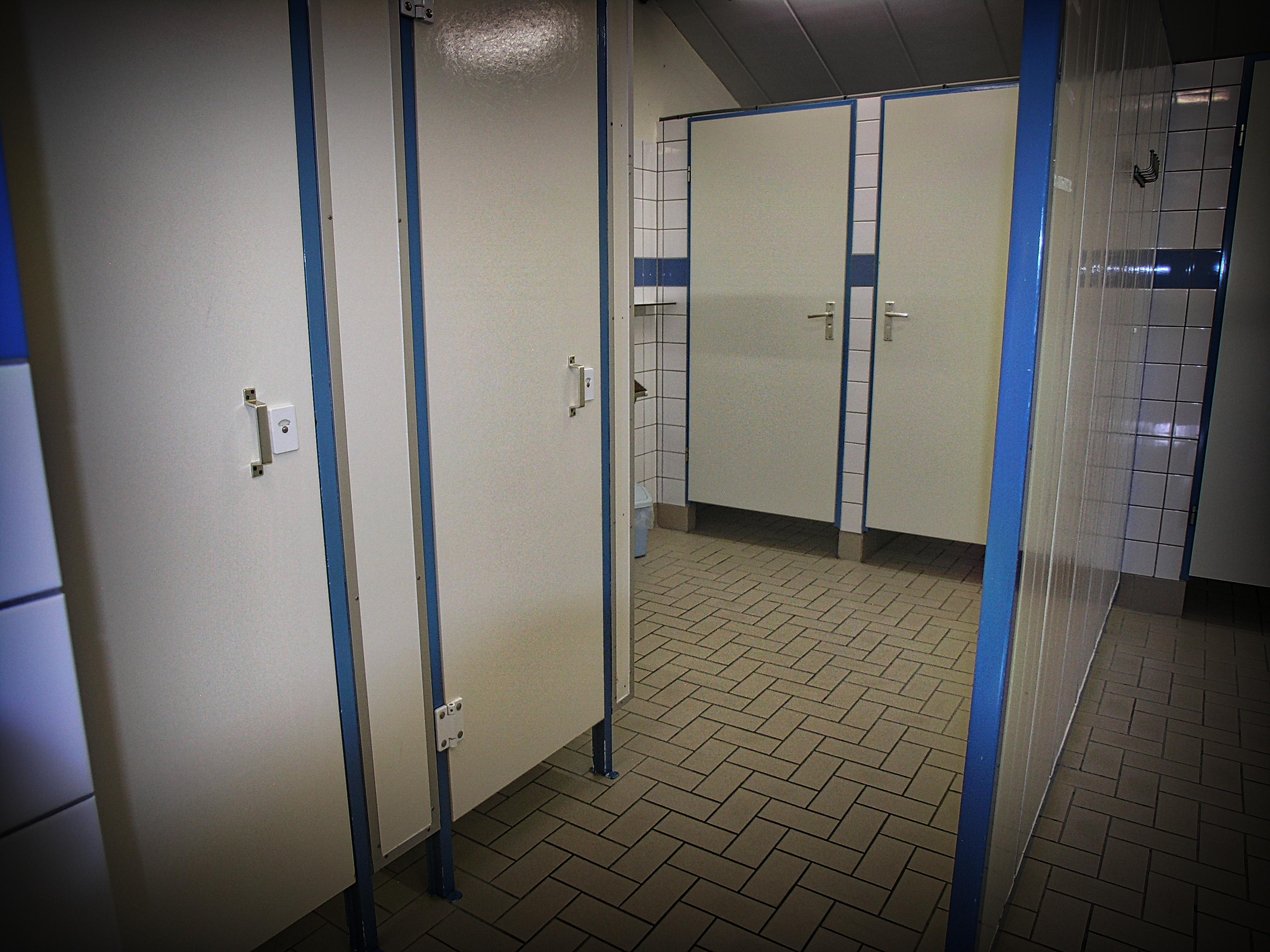 ce6741813d8 Camping Koelert - Sanitair 8 - Sanitaire ruimte - Dames/Heren